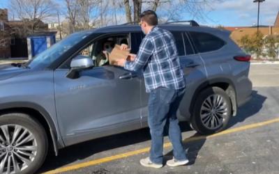 Curbside Pickup Using meeScan